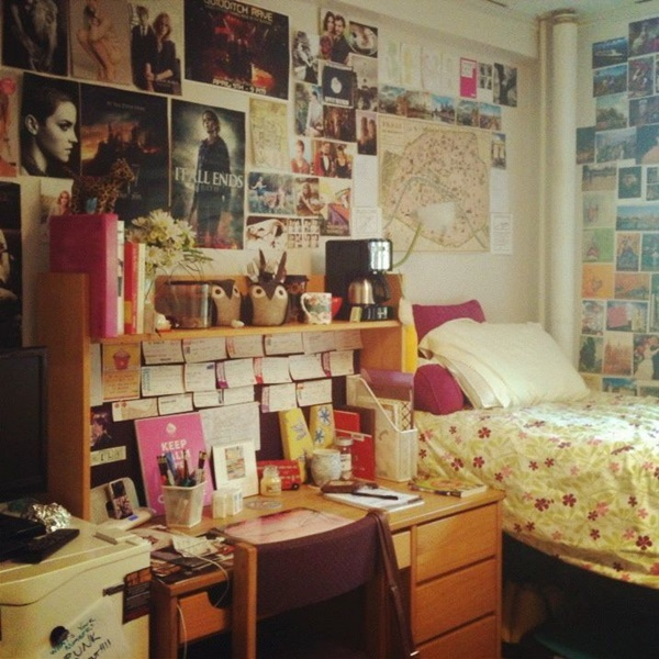 Classic College Dorm Room Decoration Ideas (27)
