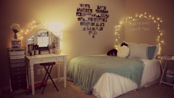 Classic College Dorm Room Decoration Ideas (35)