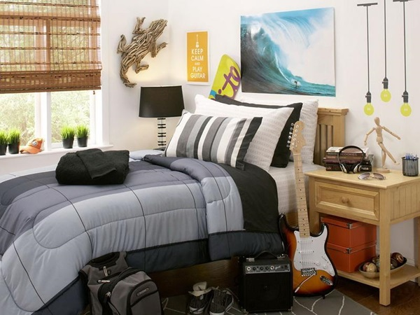 Classic College Dorm Room Decoration Ideas (39)