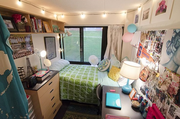 Classic College Dorm Room Decoration Ideas (4)