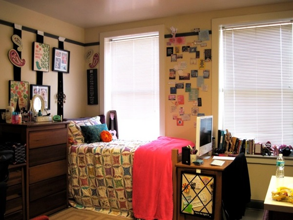 Classic College Dorm Room Decoration Ideas (6)