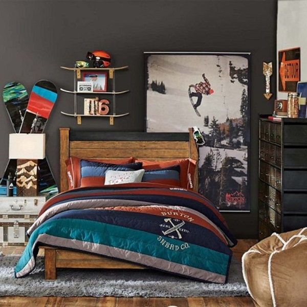 Classic College Dorm Room Decoration Ideas (8)