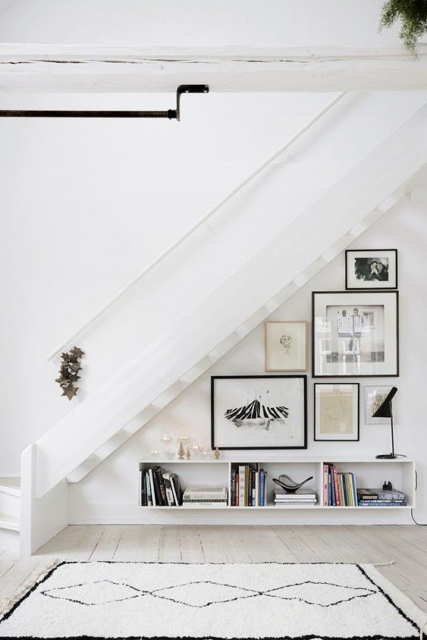 Must Try Stair Wall Decoration Ideas (18)