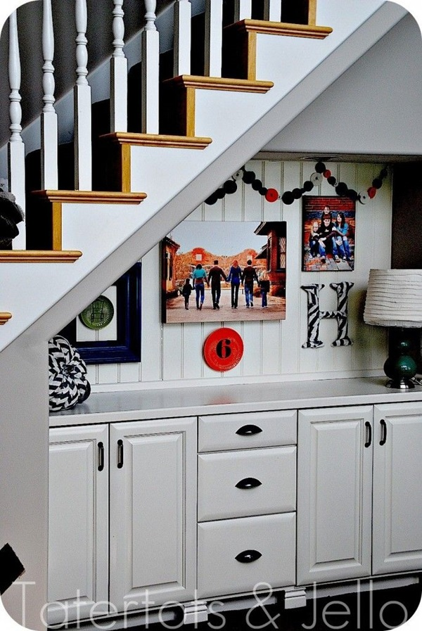 Must Try Stair Wall Decoration Ideas (41)