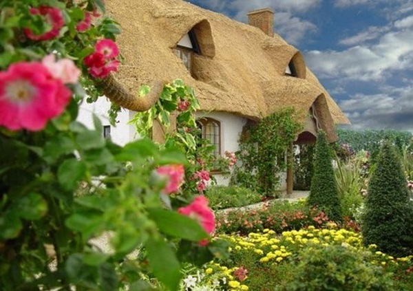 Beautiful thatch roof Cottage House Designs (23)