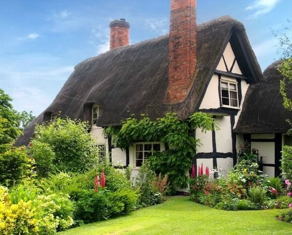 Beautiful thatch roof Cottage House Designs (24)