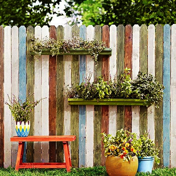 Creative Garden Fence Decoration Ideas (12)