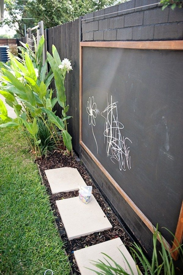 Creative Garden Fence Decoration Ideas (28)
