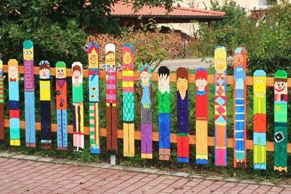 Creative Garden Fence Decoration Ideas (31)