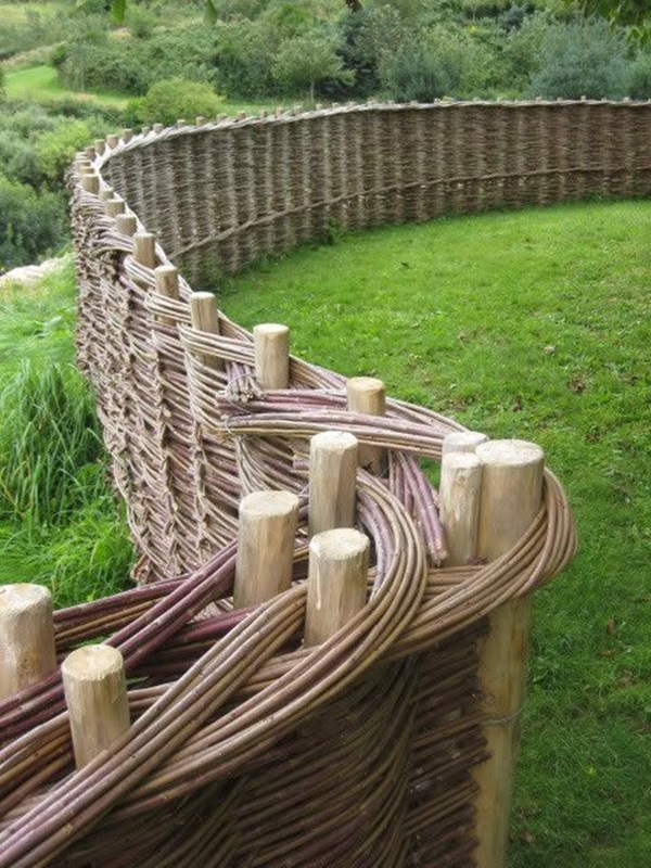 Creative Garden Fence Decoration Ideas (38)