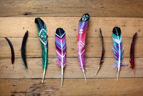An Amazing Hobby of painted feathers (1)