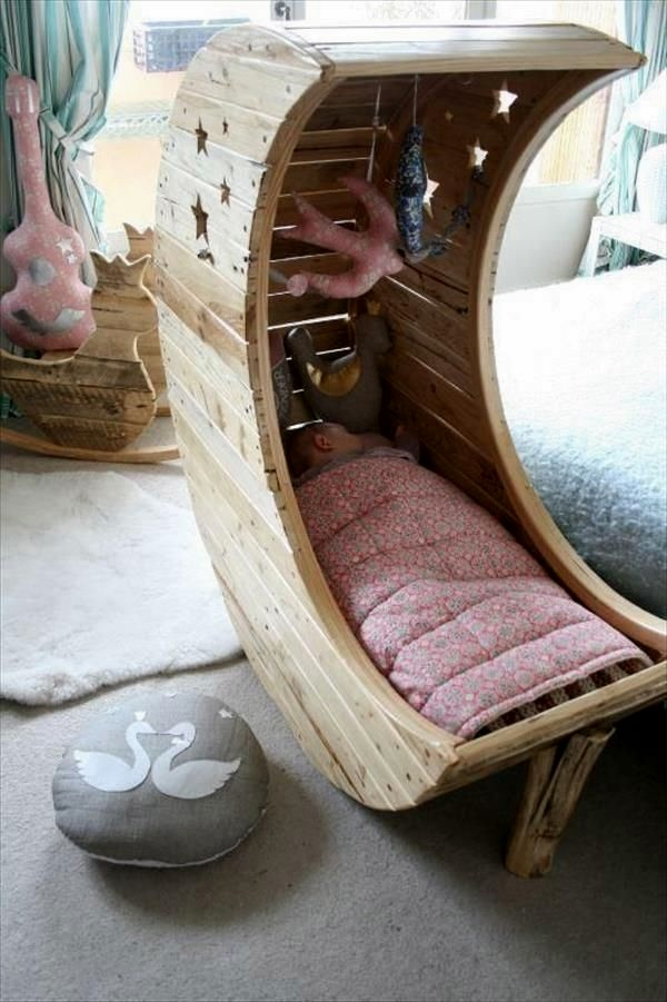 Amazing DIY pallet furniture Ideas (40)