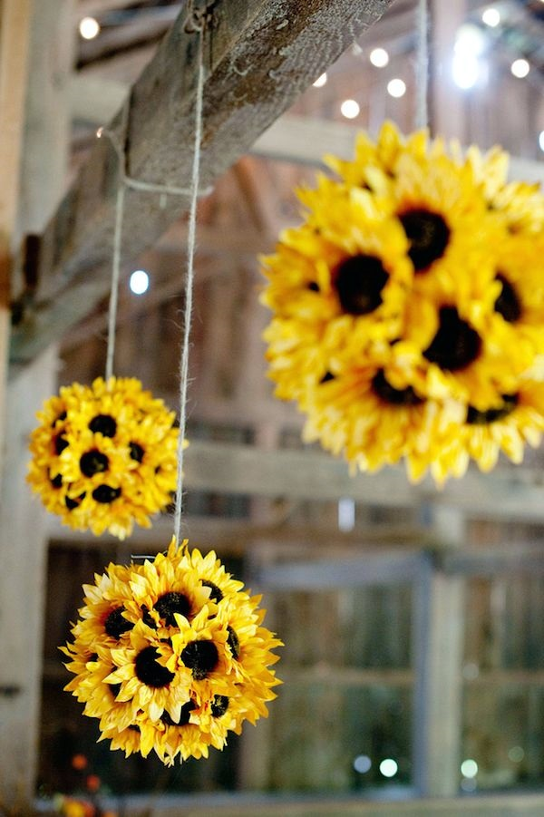Creative Ways to Decorate Your House with Flowers (1)