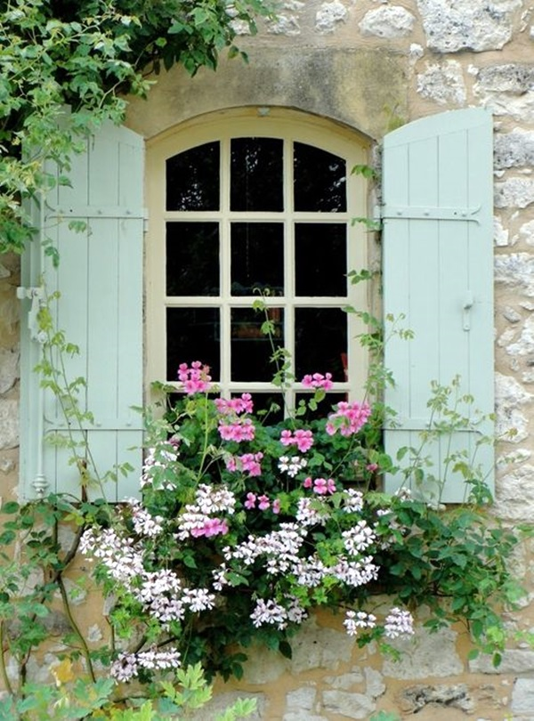Magical window flower box ideas (2)