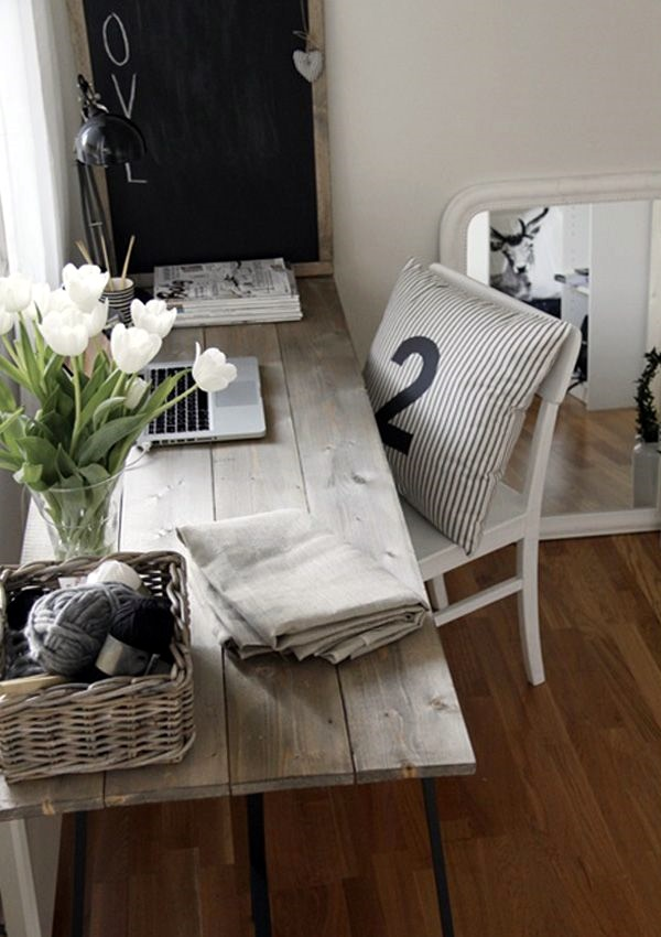 Rustic Reclaimed Wood DIY Computer Desk Ideas Wicker Basket