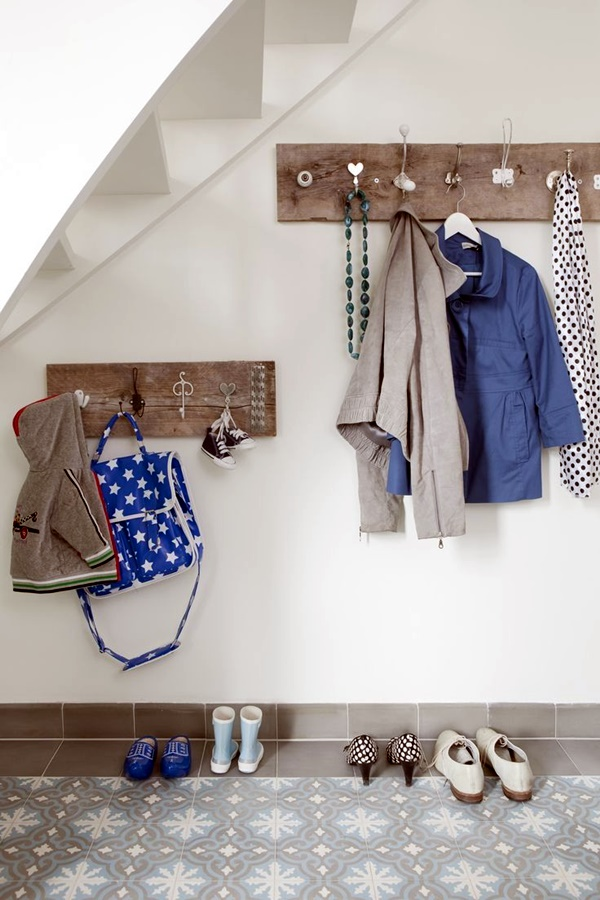 Cool and Creative DIY Coat Rack Ideas (22)