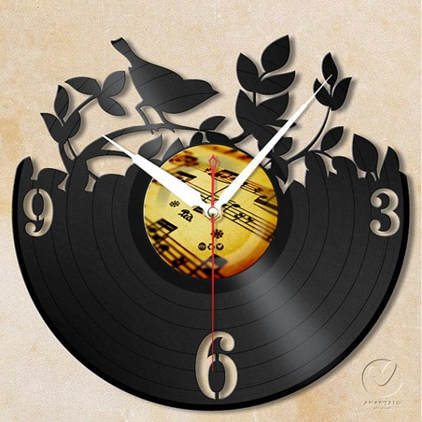 Fabulas Wall Clocks to embrace Your Home Entrance (33)
