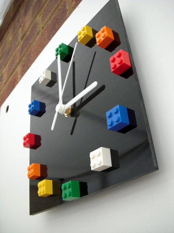 Fabulas Wall Clocks to embrace Your Home Entrance (4)
