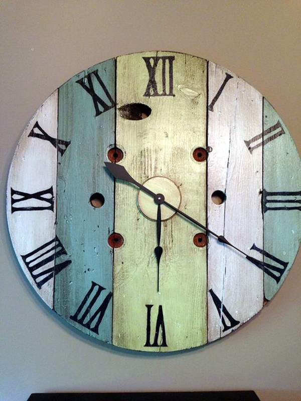 Fabulas Wall Clocks to embrace Your Home Entrance (9)