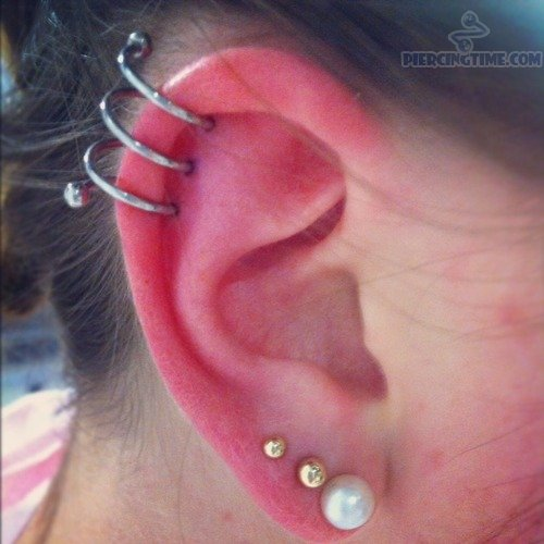 how to put in a spiral helix piercing