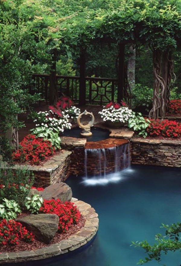 30 Elegant Backyard Pond Ideas
