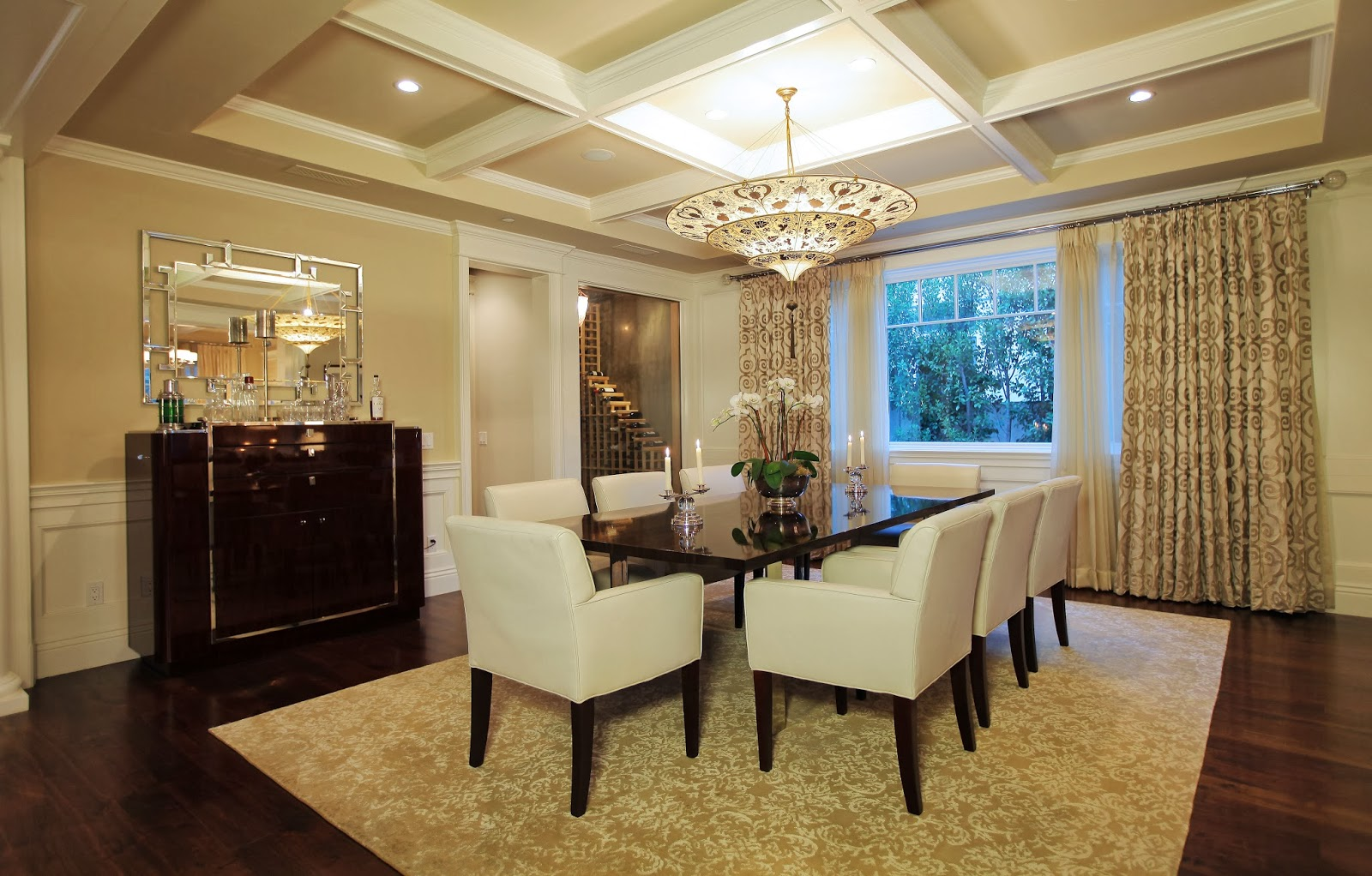 Astounding Ways To Decorate Your Dinner Table For Maximum Advantage Download Free Architecture Designs Pushbritishbridgeorg
