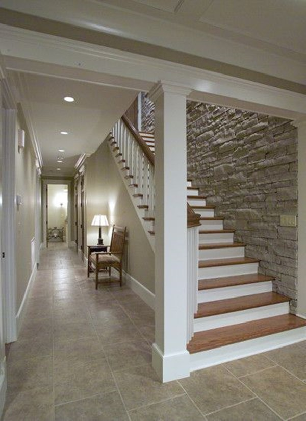 Amazing Must Try Stair Wall Decoration Ideas (32)