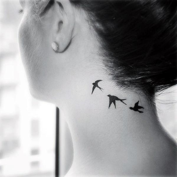 Фото тату на шею птички