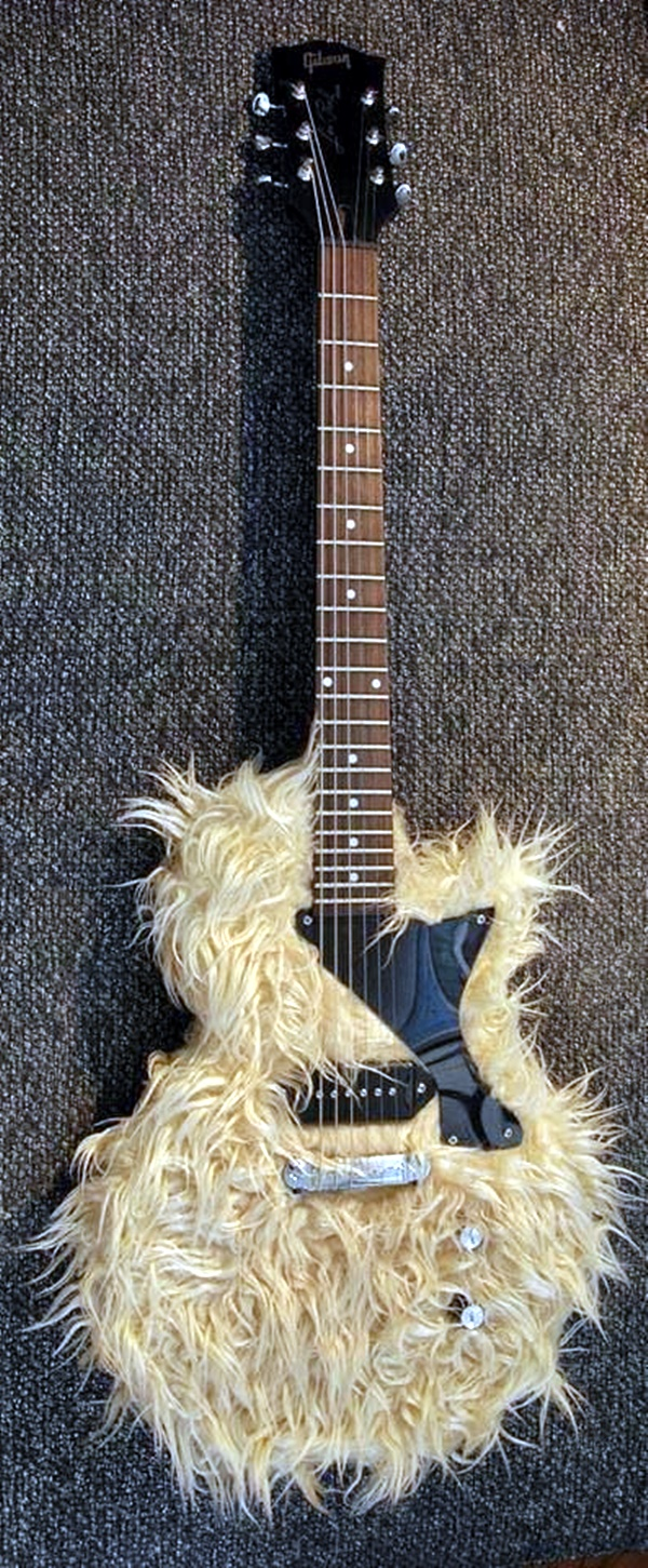 Beautiful and Creative Guitar Artworks (13)