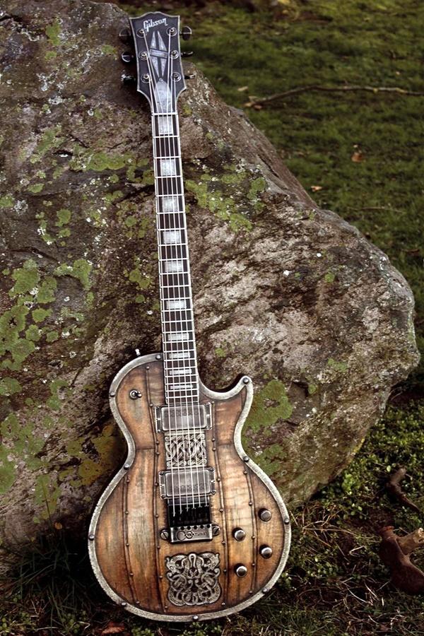 Beautiful and Creative Guitar Artworks (3)