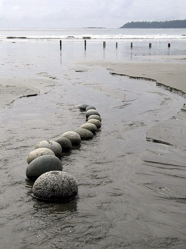 Stunning Land Art Installations (22)