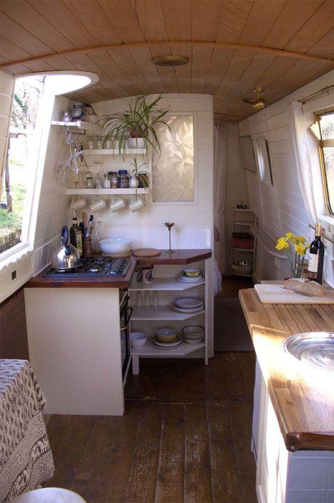 Merveilleux Boat Interiors 17