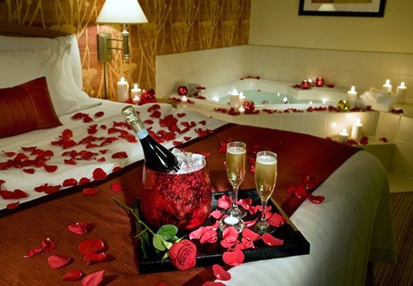 40 wedding first night bed decoration ideas bored art for Bed decoration with rose petals