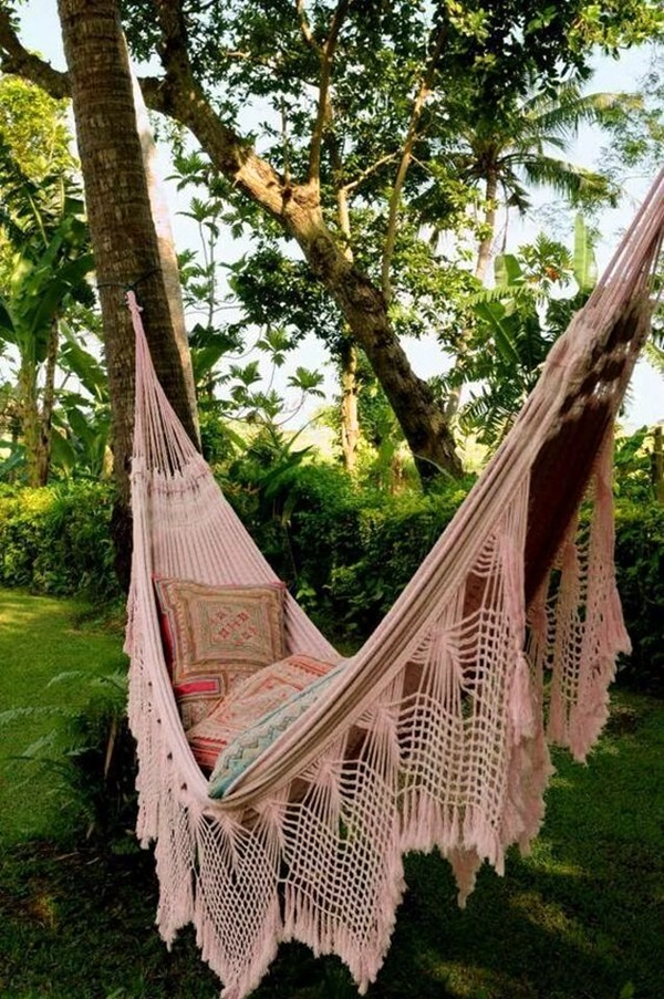 Chilling hammock Placement ideas to do it right (21)