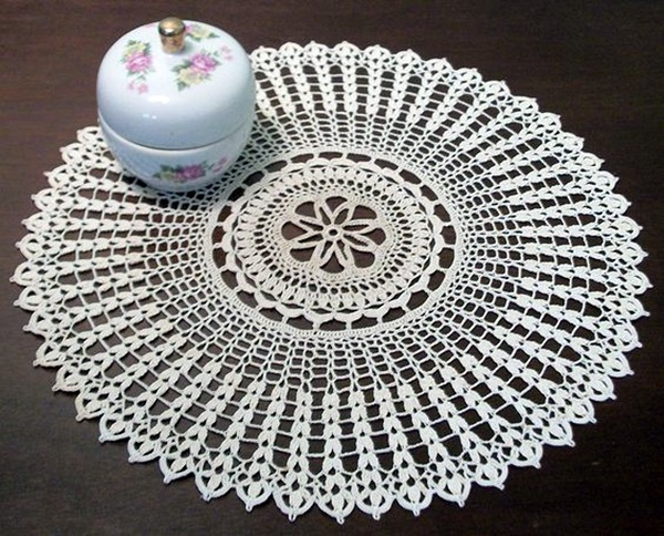 Pretty and Easy Crochet Doily for Beginners (14)