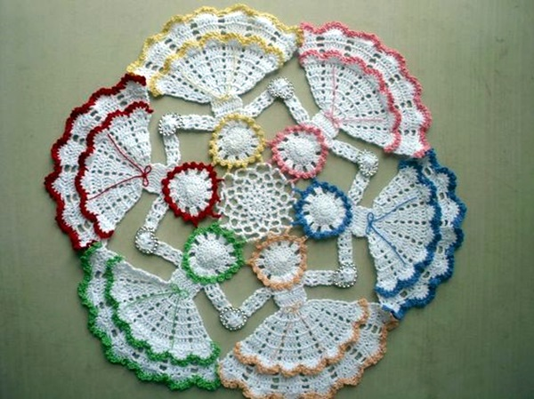 Unique Beginner Crochet Patterns : 40 Pretty and Easy Crochet Doily for Beginners - Bored Art