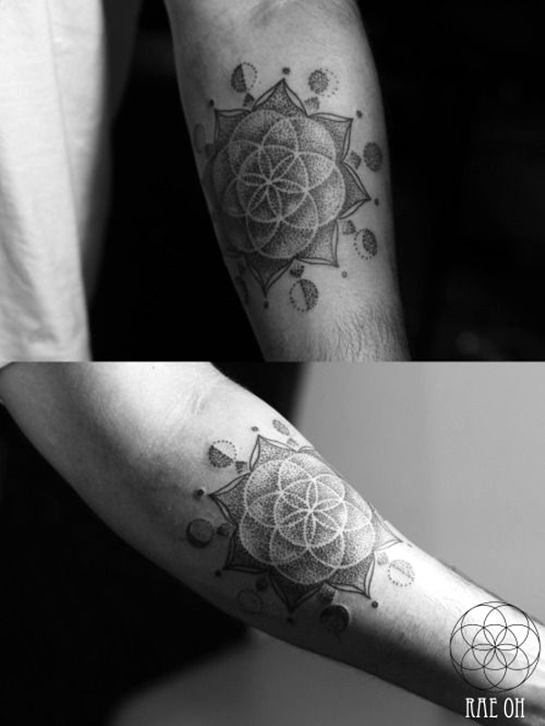 Sacred geometry Tattoo Ideas (23)