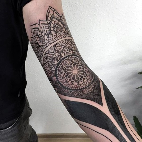 Sacred geometry Tattoo Ideas (42)