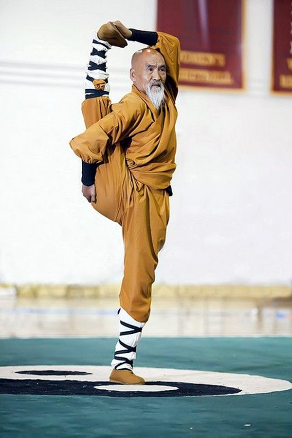 Shaolin monk Martial Art Demonstrations (20)