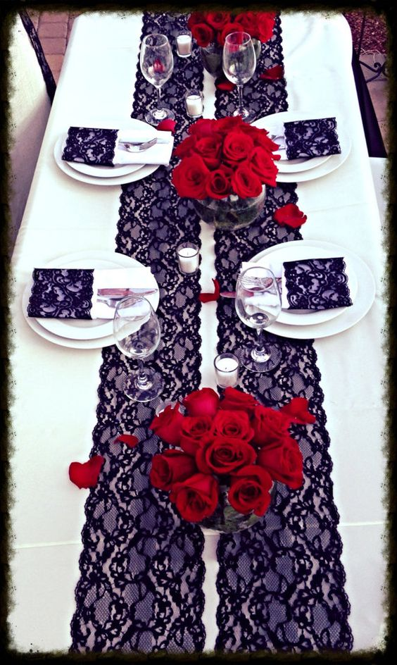 Titillating Table Cloth Designs To Tilt The Tables To Your