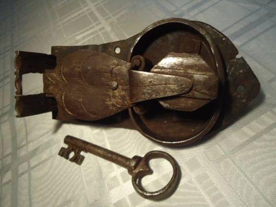 vintage locks and keys 14