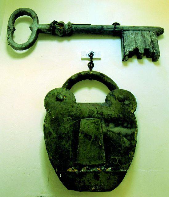 vintage locks and keys 25