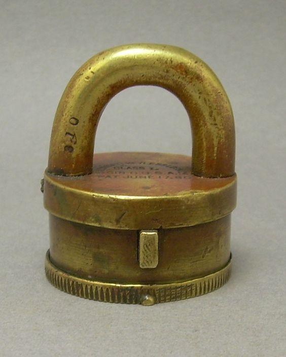 vintage locks and keys 7