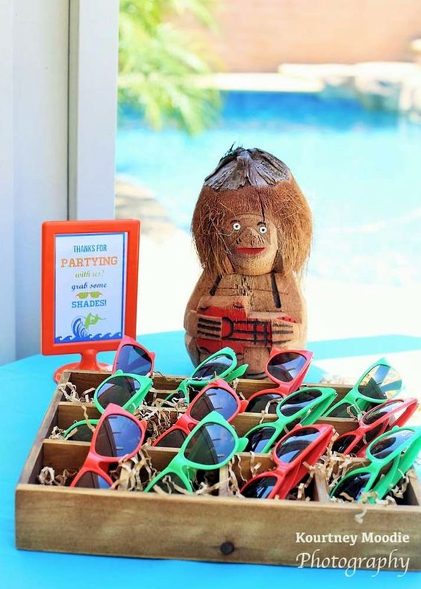 Affordable and Creative Hawaiian party decoration Ideas (40)