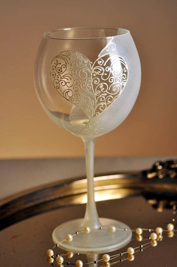 40 artistic wine glass painting ideas bored art for Diy painted wine glasses