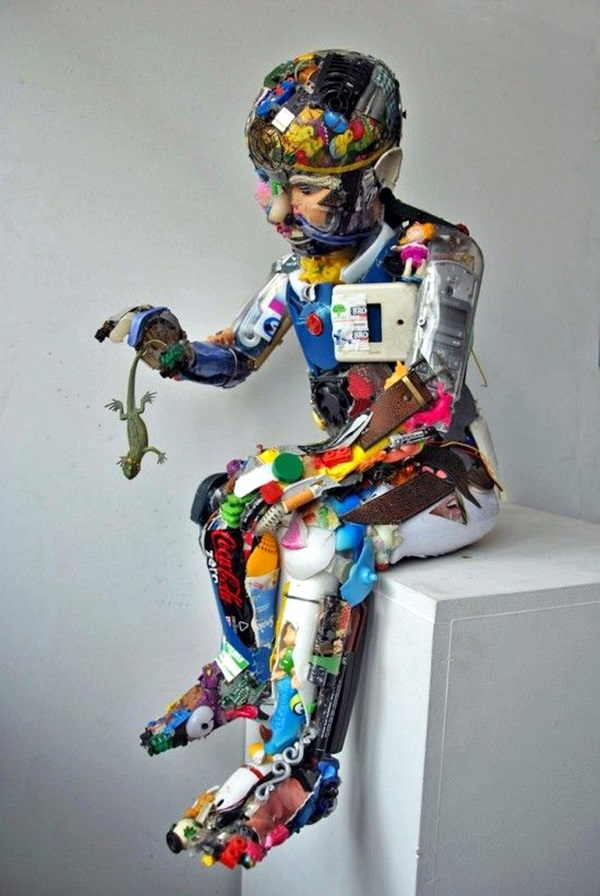 Astonishingly Life-Like Figuratives Sculptures (13)