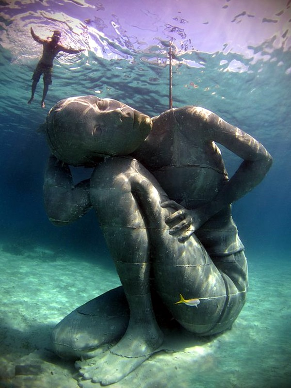 Astonishingly Life-Like Figuratives Sculptures (18)