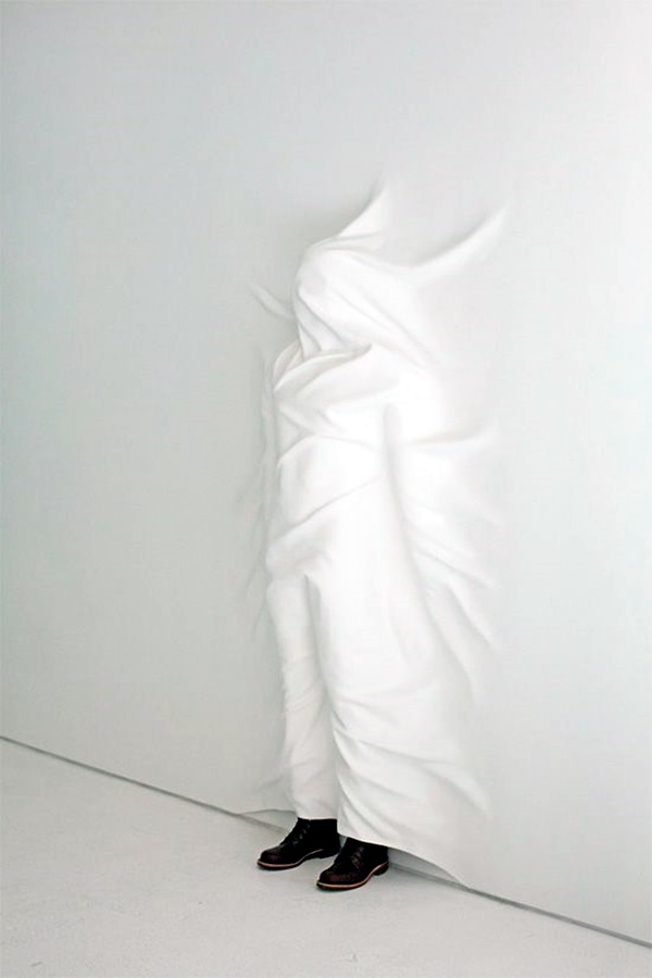 Astonishingly Life-Like Figuratives Sculptures (3)