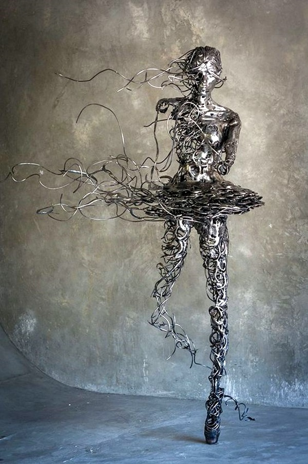 Astonishingly Life-Like Figuratives Sculptures (35)