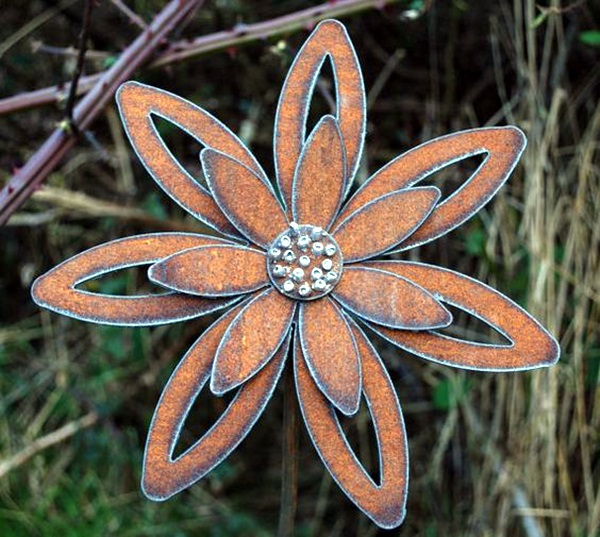 Utterly Beautiful Rusted Metal Art Works (6)